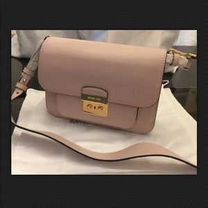 Michael Kors Leather Shoulder Bag Soft Pink